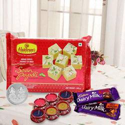 Smart-Looking Gift Hamper with Prosperity Wishes